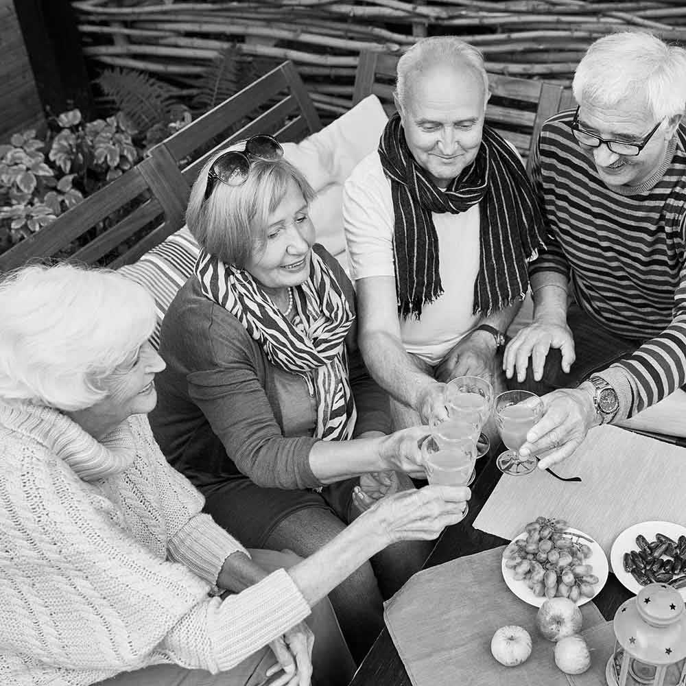 friends-meeting-in-retirement